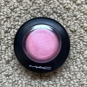 Mac mineralize blush in just a wisp